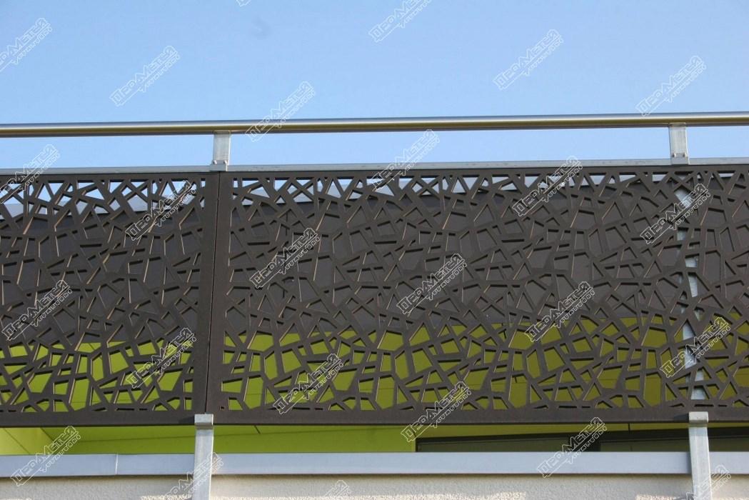 Надежные и стильные ограждения балконов с лазерной резкой в .